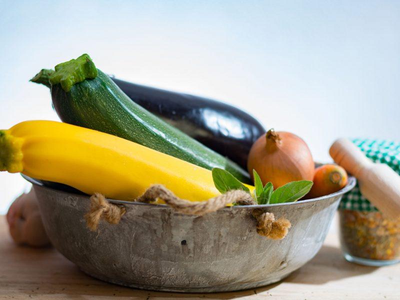 Cukinijos – ir vasaros stalui, ir žiemos atsargoms