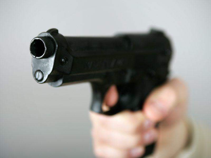 Šiauliuose vyras ginklu grasino JAV pajėgų kariui
