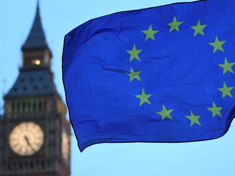 """ES tęsia pasirengimą ir """"Brexit"""" be sutarties scenarijui"""