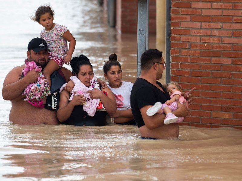 Per potvynius Ispanijoje žuvusių žmonių skaičius padidėjo iki penkių