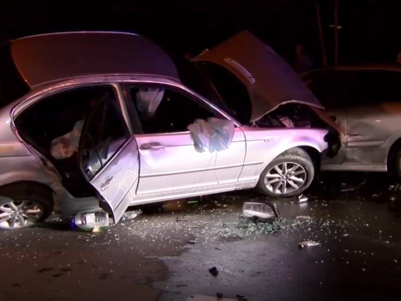 BMW vairuotojas sostinėje sudaužė penkias mašinas
