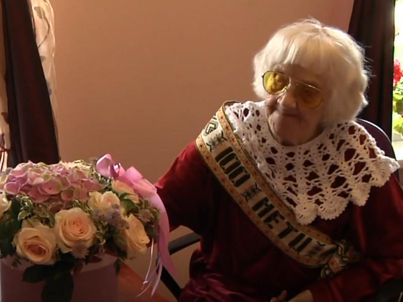 100-metį šventojiškė Janina švenčia per Jonines