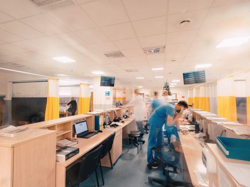 Kauno regione mažėjant sunkių COVID-19 pacientų antrąkart mažinamas lovų skaičius