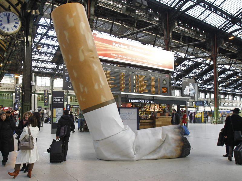 Prancūzams vietoje suvenyrų iš Liuksemburgo – cigaretės ir tabakas