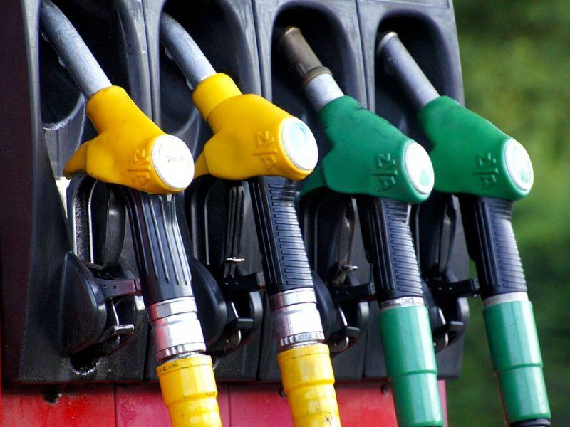 Gegužę ir toliau didėjo daugelio rūšių degalų kainos