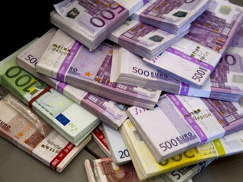 Vyriausybė pasiskolino 28 mln. eurų
