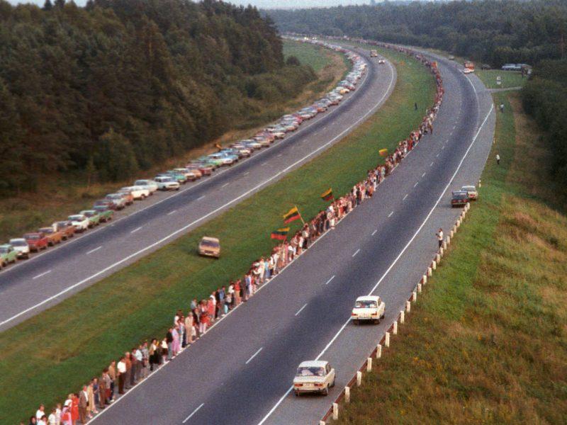 """Per Lietuvą nuvilnys Baltijos kelio """"Vienybės banga"""""""