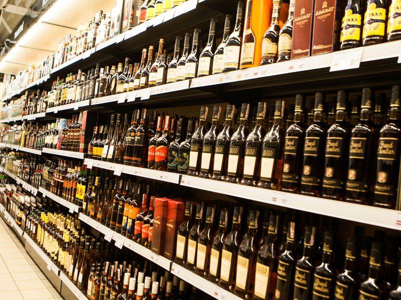 I. Šimonytė nesureikšmina siūlymų keisti Alkoholio kontrolės įstatymą