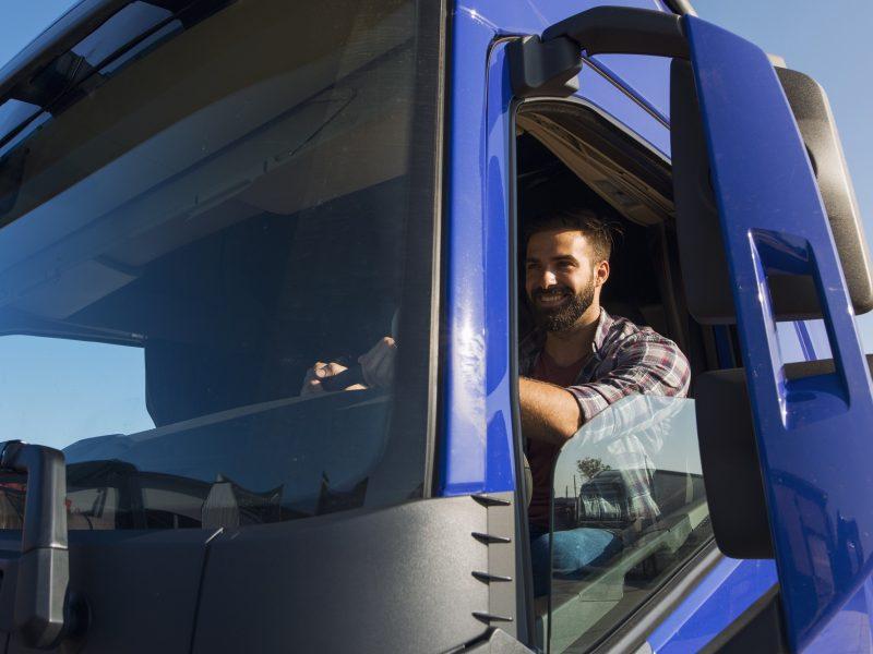 Vilkikų vairuotojams privalomi mokymai gali gerokai brangti ir ilgėti