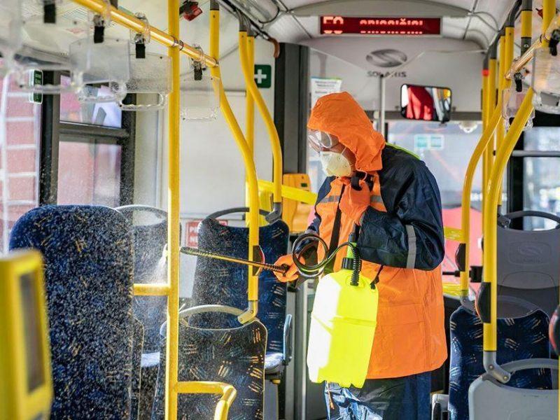 Transporto įmonės žada aktyviai informuoti keleivius apie privalomas kaukes