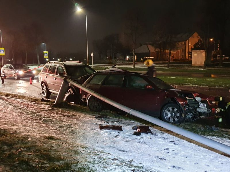 Neblaivaus vairuotojo sukelta avarija Šiaurės prospekte