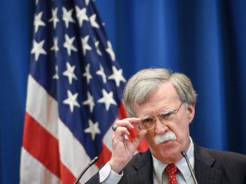 D. Trumpas atleidžia nacionalinio saugumo patarėją J. Boltoną