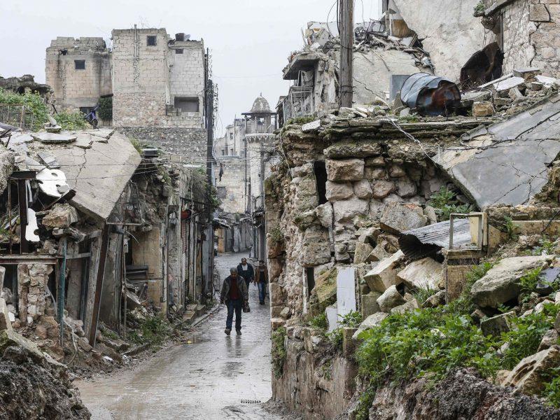Per JAV koalicijos antskrydžius Sirijoje žuvo 16 civilių, įskaitant 7 vaikus