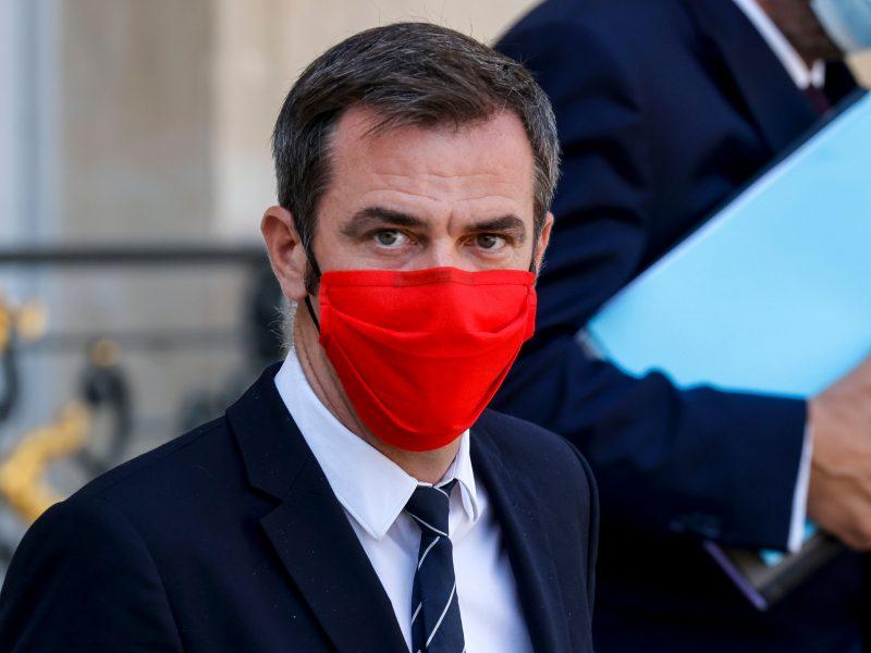 Perspėja: Paryžiuje gali būti paskelbtas aukščiausio lygio pavojus dėl COVID-19