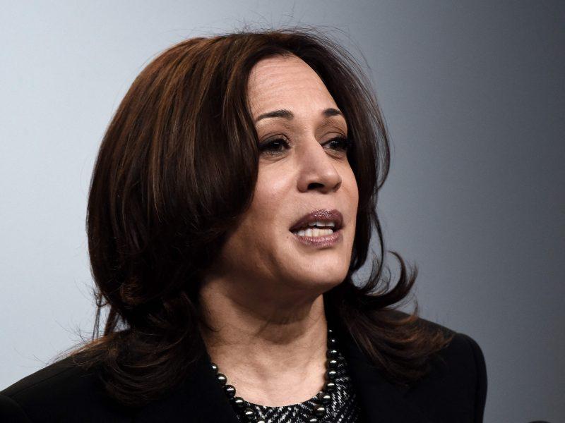 JAV, ES ir N. Zelandijos lyderės perspėja dėl pandemijos keliamos grėsmės moterų teisėms