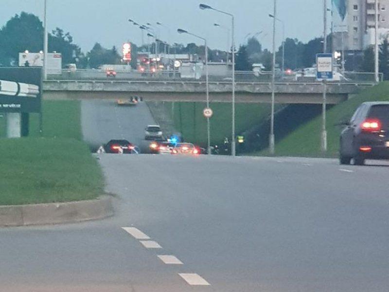 Žemaičių plente per avariją sužalotas motociklininkas