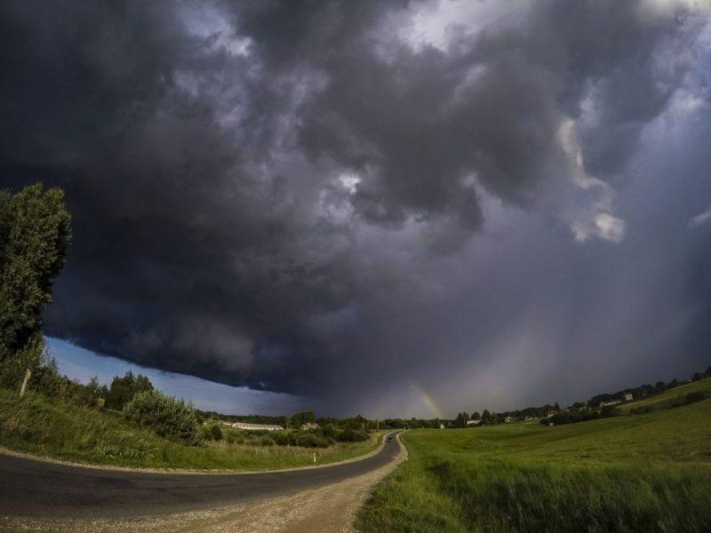 PAGD įspėja gyventojus: Lietuvoje siautės audra
