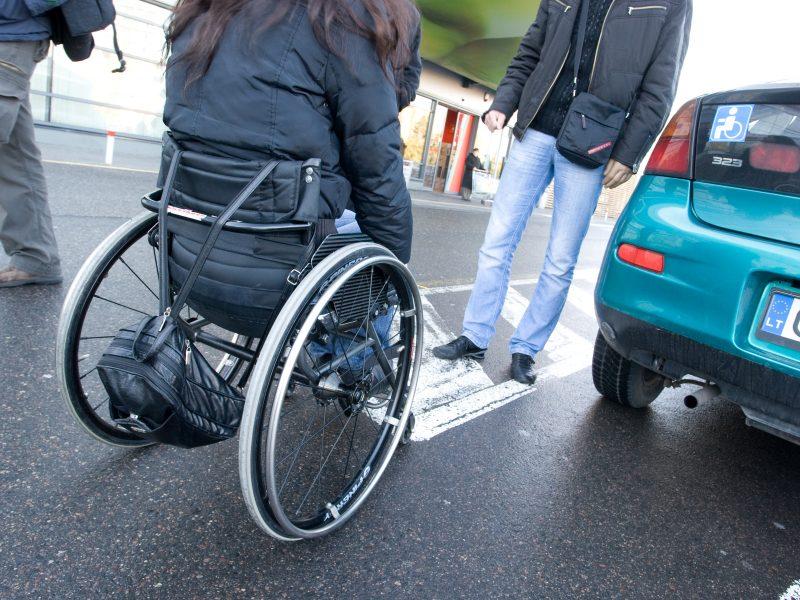 Neįgaliųjų tėvams leis bent trumpam atsipūsti
