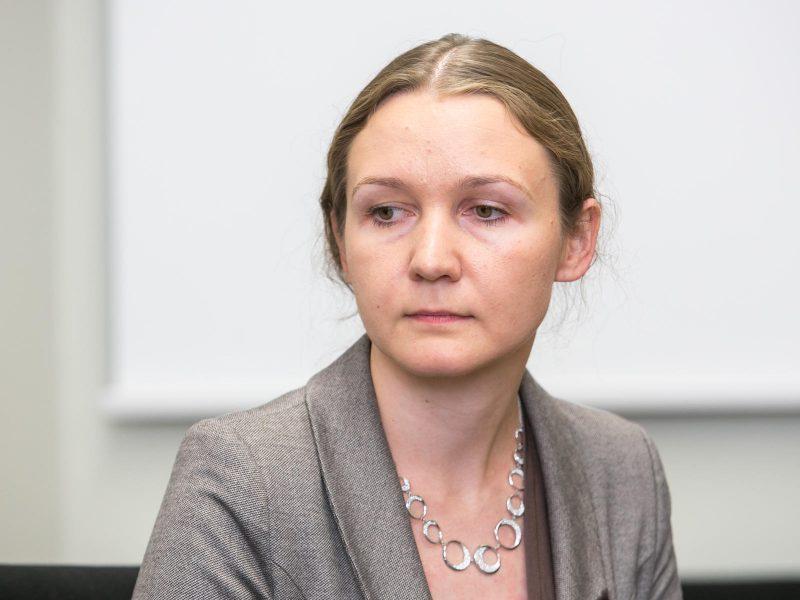 Migracijos departamento vadovė žada skųsti neigiamą jos veiklos įvertinimą