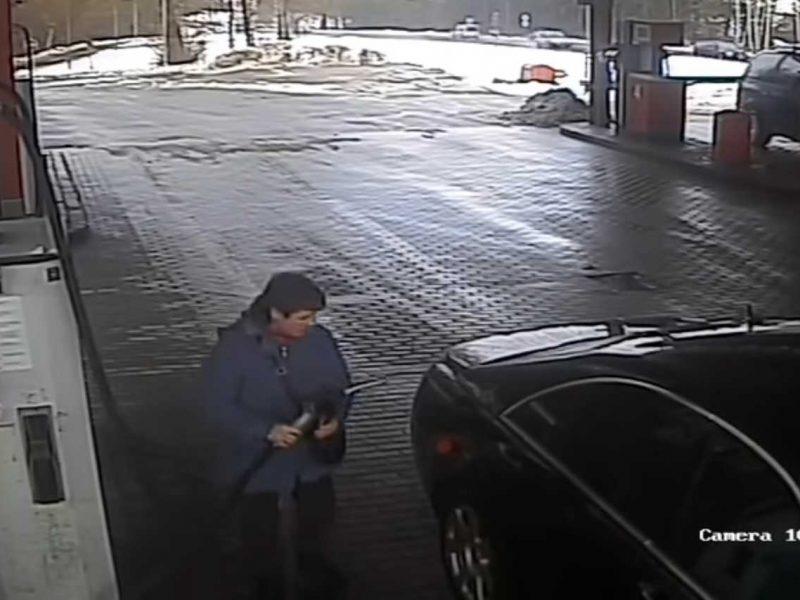 """Atsitrenkusi į kitą automobilį, """"Mercedes-Benz"""" vairuotoja iš įvykio vietos išvažiavo"""