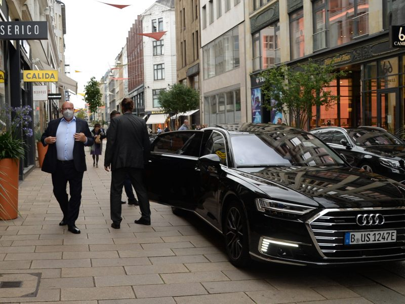 Vokietijoje – milijonas elektromobilių ir hibridinių automobilių