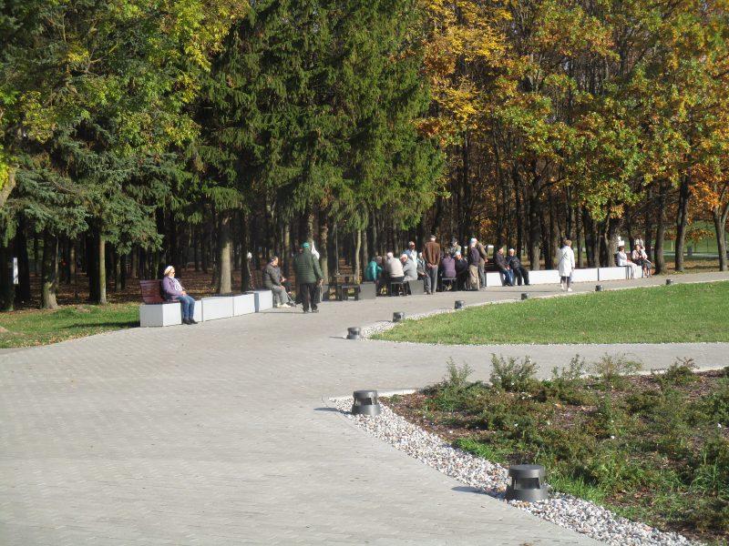 Draugystės parke – bobų vasara besidžiaugiančių kauniečių antplūdis <span style=color:red;>(nuotraukos)</span>