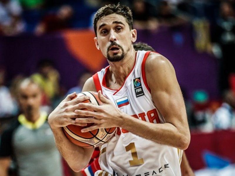 Rusai išlieka nepralaimėję: įveikė Serbijos krepšininkus