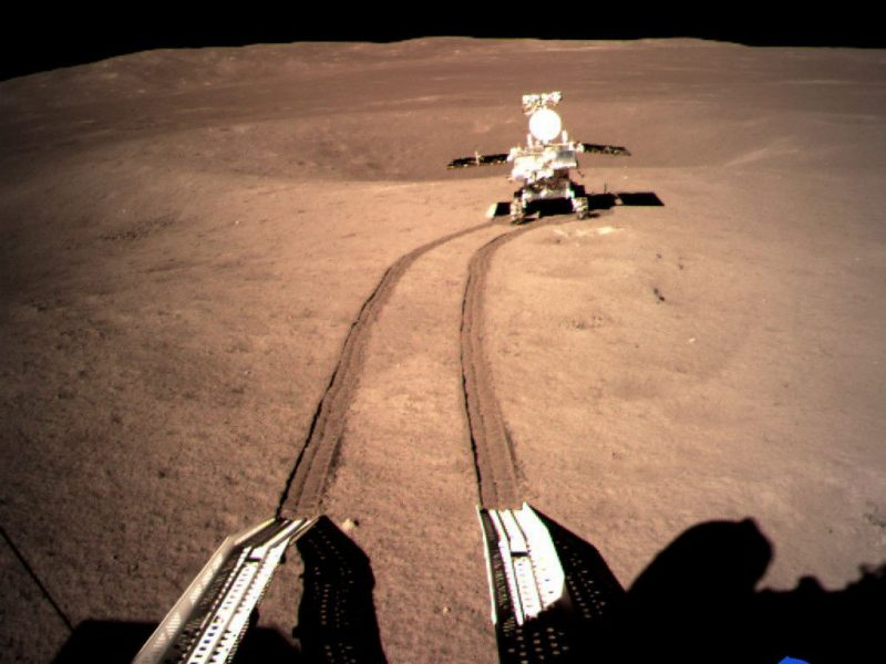 Kinija prieš zondo nusileidimą nematomoje Mėnulio pusėje apsikeitė duomenimis su NASA