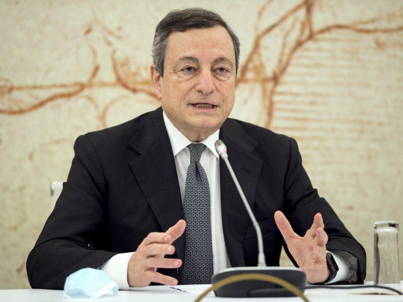 M. Draghis: jau galite rezervuoti atostogas Italijoje
