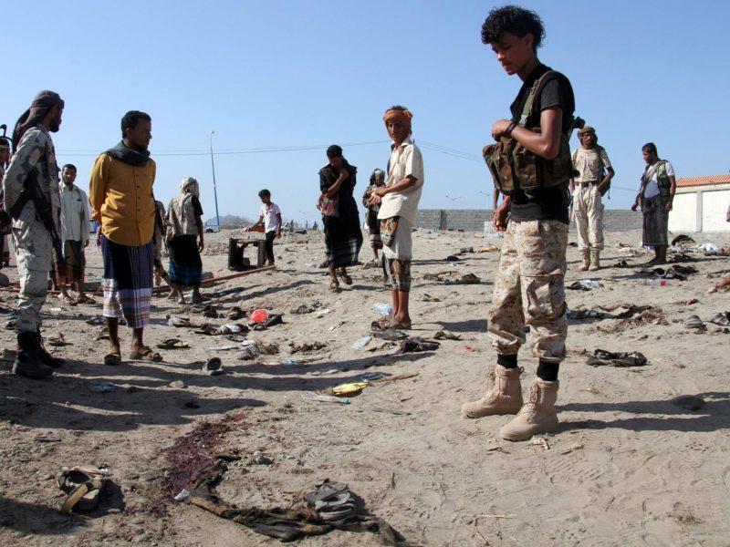 Susisprogdinus mirtininkui Jemene žuvo per 30 karių