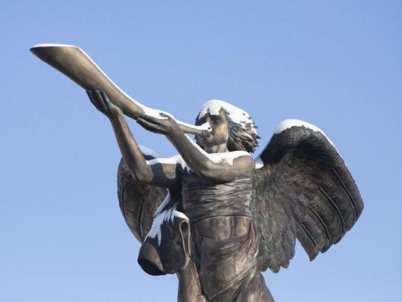 Simbolis: Užupio angelas iškilo iš mažų kopijų
