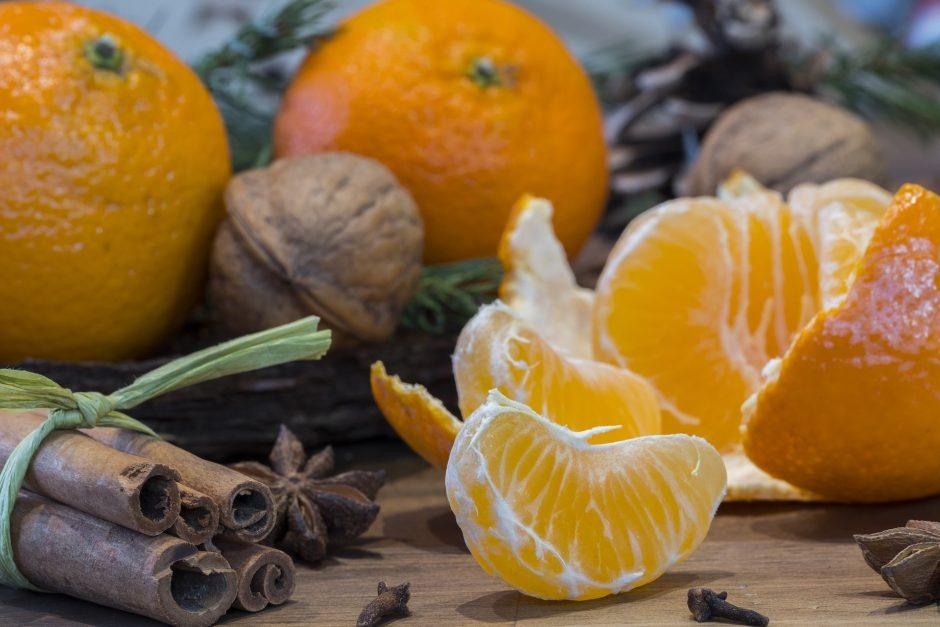 Pataria specialistas: kaip po šventinio persivalgymo atgaivinti apsunkusį organizmą - DELFI Maistas