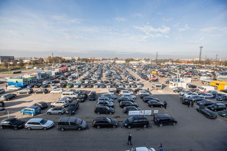 Kauno automobilių turgus: pirkėjai iš Azijos dingo, bet atsirado kitų