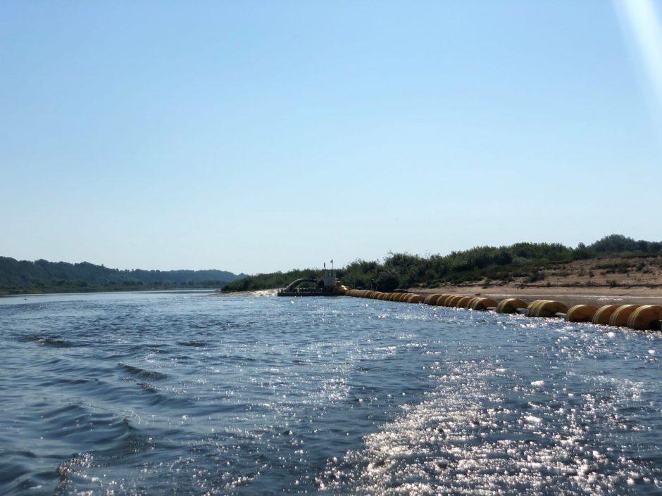 charles upės akcijų prekybos sistema