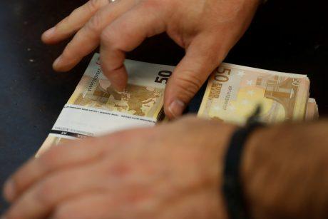 Internetiniai sukčiai nugvelbė tūkstančius eurų