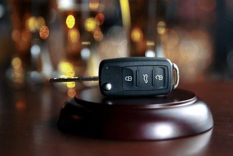 Kėdainių rajone pareigūnams įkliuvo du sunkiai apgirtę vairuotojai