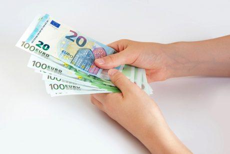 Nuo karantino suvaržymų kentėjusiam verslui paskirstyta paramos už beveik 123 mln. eurų