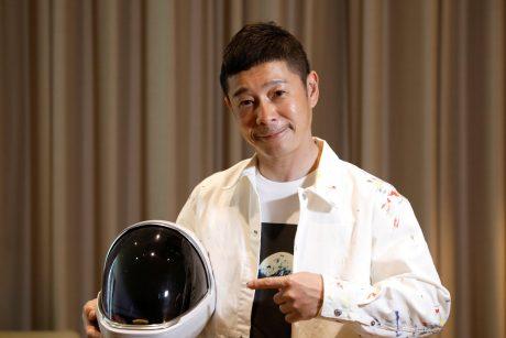Japonų verslininkas siūlo žmonėms nemokamai keliauti į kosmosą
