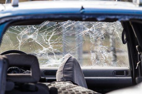 Per savaitę keliuose du žuvo, sužeisti 89 žmonės