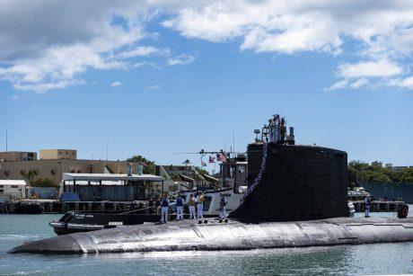 """NATO: ginčas dėl povandeninių laivų neturės įtakos aljanso """"kariniam bendradarbiavimui"""""""