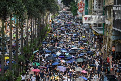 """Honkongo elitas pradėjo formuoti naują įtakingą """"tik patriotų"""" komitetą"""