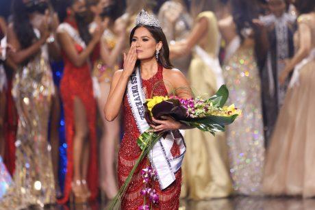 """2021-ųjų """"Mis Visata"""" išrinkta meksikietė A. Meza"""