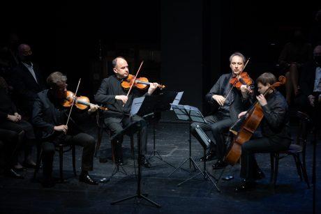 """""""Vakaras Faustui"""" į teatro erdves sugrąžino nemarią F. Latėno muziką"""