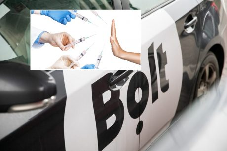 """Akibrokštas: išgirdęs, kad keleivis vyksta skiepytis, """"Bolt"""" vairuotojas jį išlaipino iš automobilio"""