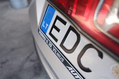 Parlamentaras siūlys, kad ant automobilių valstybinių numerių atsirastų Vyčio ženklas