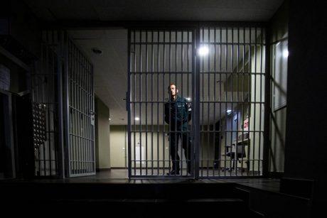 Už vagystę suimtas klaipėdietis areštinėje mirė