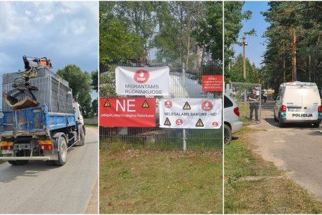 Blokada planų nesugriovė: į Rūdninkų poligoną toliau vežama įranga migrantų stovyklavietei
