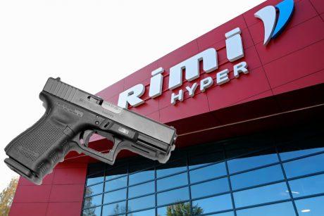 """Parduotuvėje """"Rimi"""" kaukę užsidėti paprašiusiam apsaugininkui pirkėjas peršovė koją"""