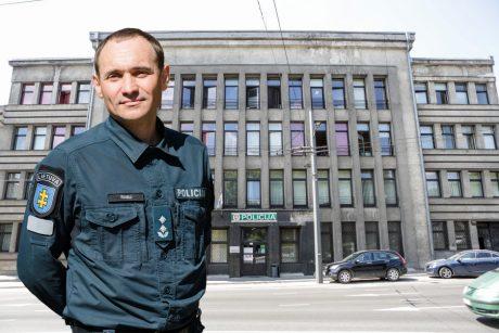 Pirmasis Kauno policijos imuniteto pareigūnas: gyventojus pykdo net rimtesnis policininko veidas