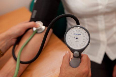 kiek žmonių serga hipertenzija)